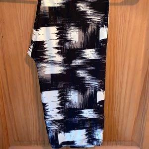 NWT TC Black White & Gray Painted Leggings